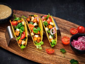 Vegetarian_Tacos_with_red_lentils_sweet_potato