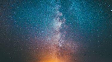 sterrenhemel en melkweg