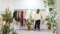 vrouw koop kleding