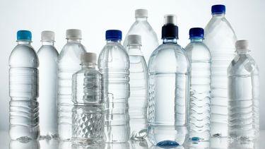 water, flesjes, microplastics, plastic