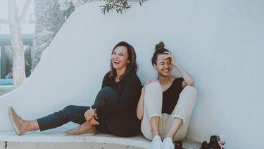 Vrouwen die positieve mindset hebben