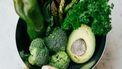 Groene groenten in een schaal