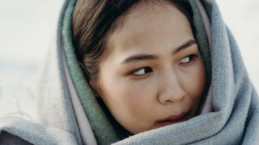 vrouw met sjaal om hoofd