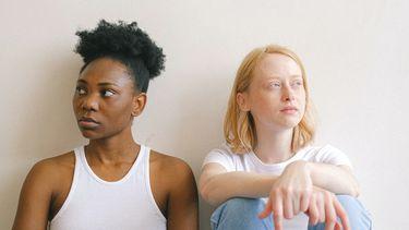 vrouwen hebben lastig gesprek