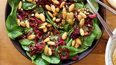 vega vrijdag salade gekarameliseerde rode ui Ottolenghi